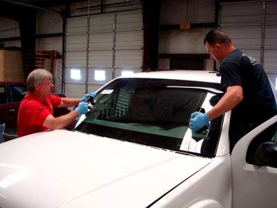 Setting a windshield